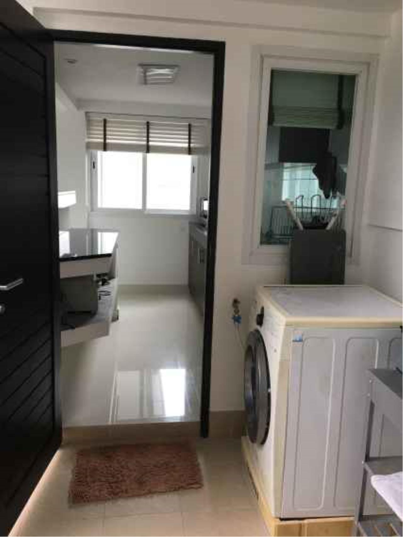 REAL Phuket  Agency's The Happy Place - Modern 2-Bedroom Duplex House in Thalang 9