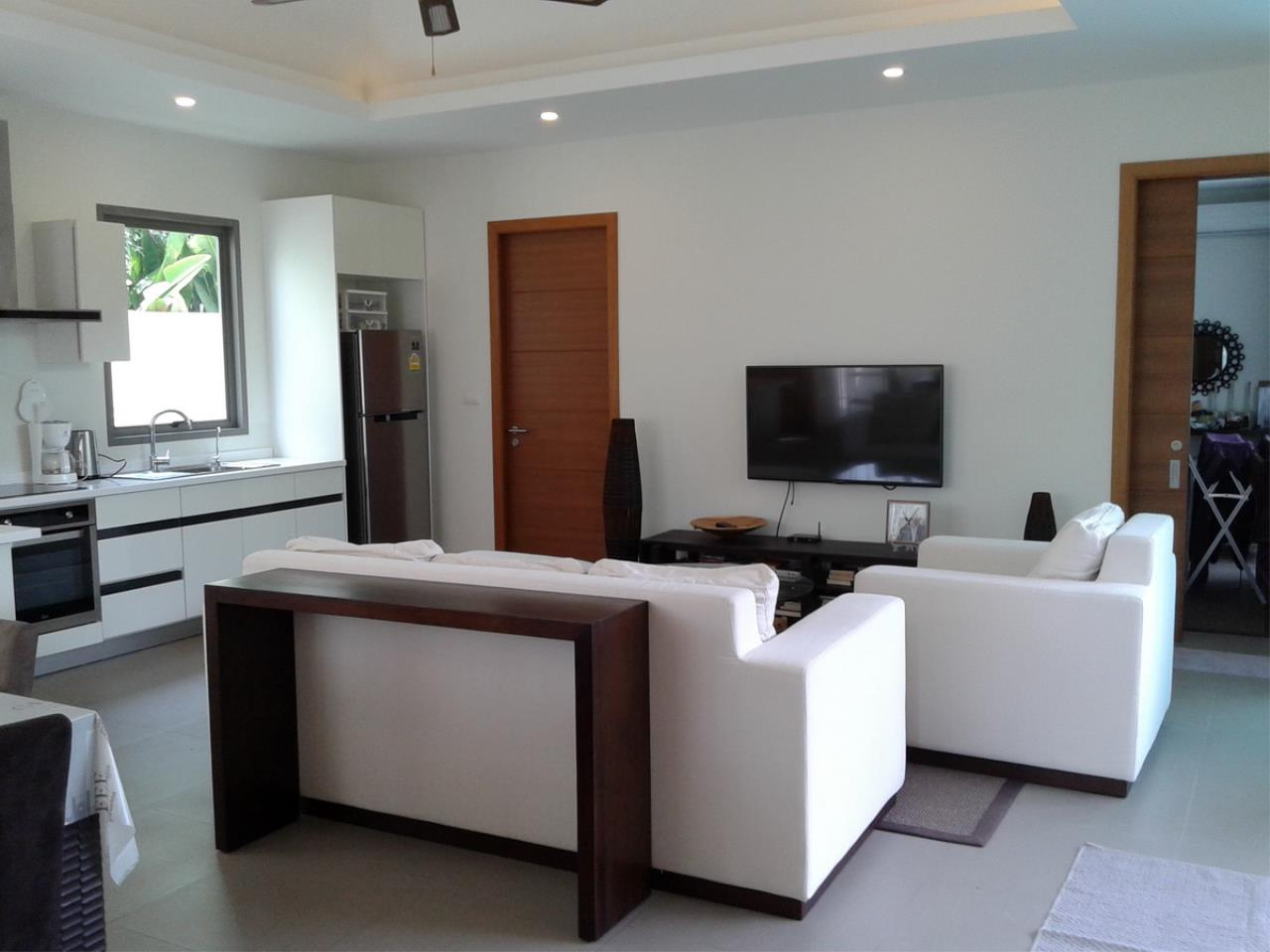REAL Phuket  Agency's Modern 3-Bedroom Pool Villa in Rawai 23