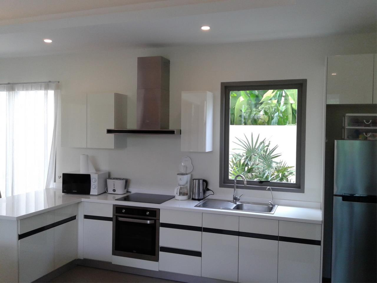 REAL Phuket  Agency's Modern 3-Bedroom Pool Villa in Rawai 5