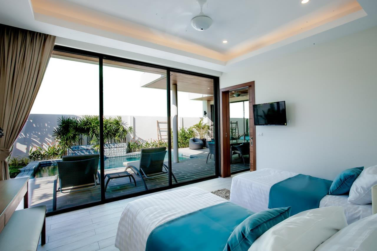 REAL Phuket  Agency's Modern 3-Bedroom Pool Villa in Rawai 8
