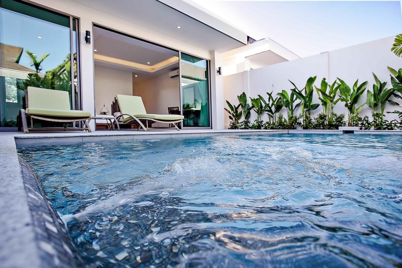 REAL Phuket  Agency's Modern 3-Bedroom Pool Villa in Rawai 11