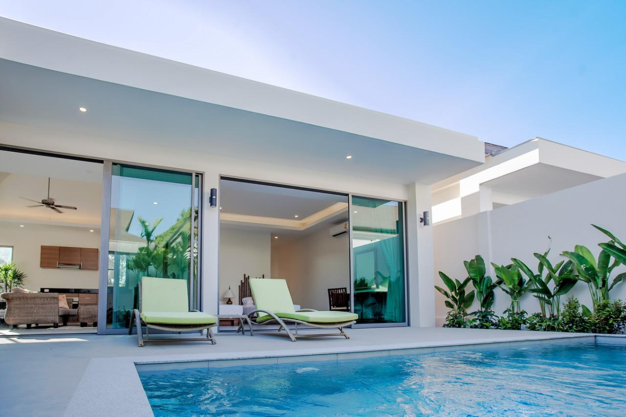 REAL Phuket  Agency's Modern 3-Bedroom Pool Villa in Rawai 17