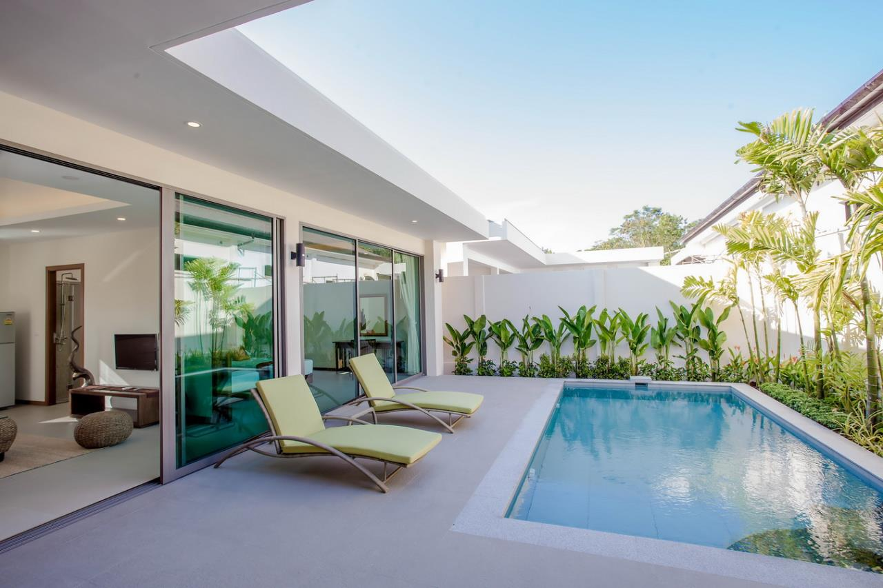REAL Phuket  Agency's Modern 3-Bedroom Pool Villa in Rawai 18