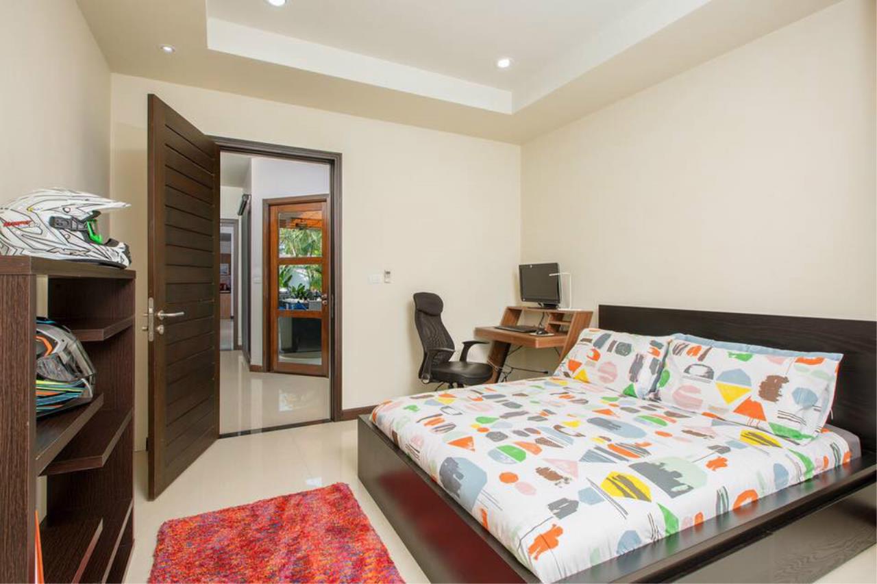 REAL Phuket  Agency's Villa Lawadee - Superb 3-Bedroom Pool Villa near Laguna 25