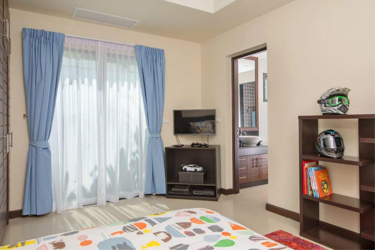 REAL Phuket  Agency's Villa Lawadee - Superb 3-Bedroom Pool Villa near Laguna 28