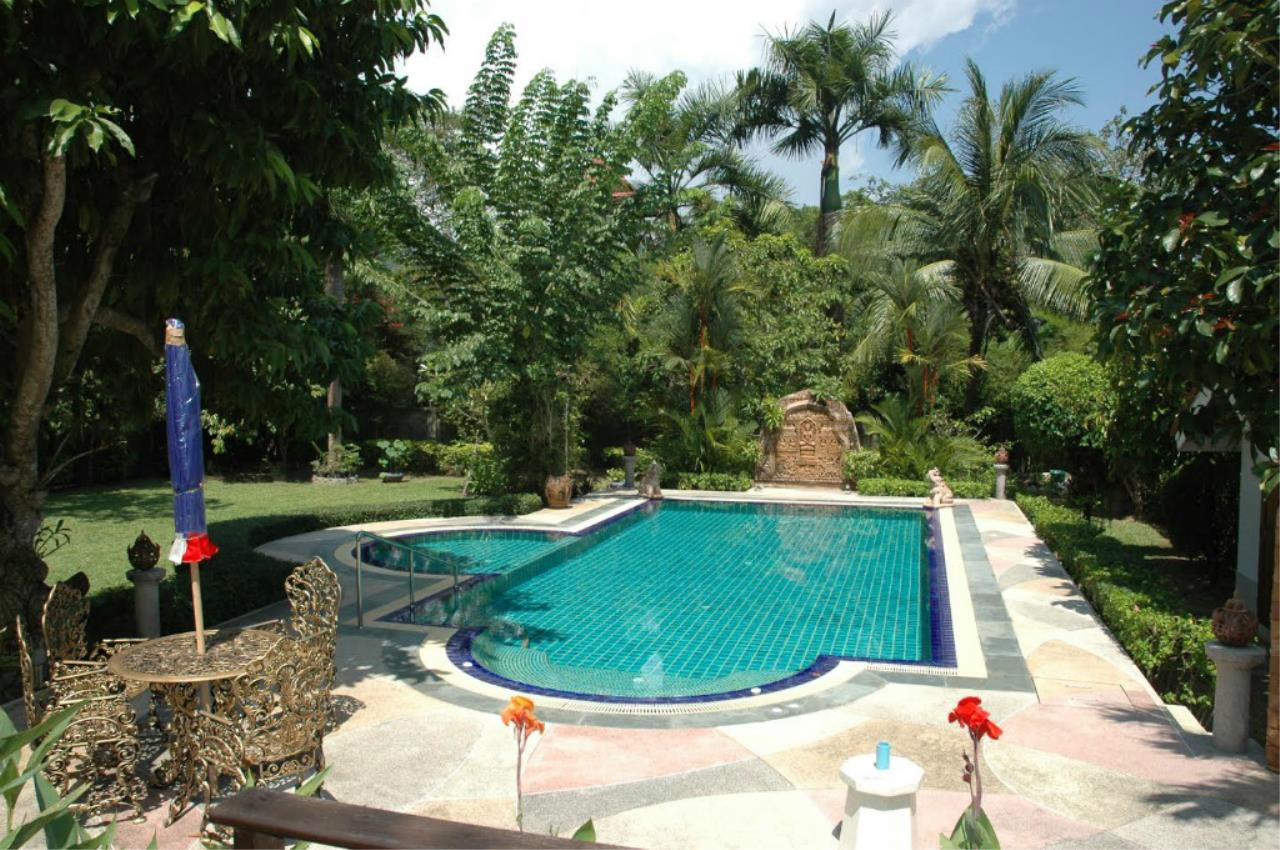 REAL Phuket  Agency's 5-Bedroom Pool Villa with Spacious Garden in Nai Harn 4