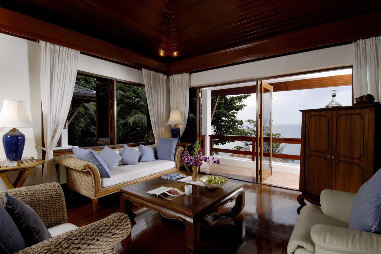 REAL Phuket  Agency's Baan Kata - Impressive 4-Bedroom Oceanfront Villa near Kata Beach 11
