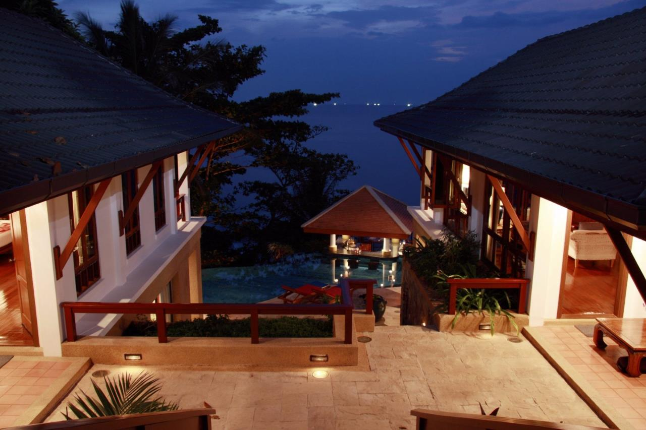 REAL Phuket  Agency's Baan Kata - Impressive 4-Bedroom Oceanfront Villa near Kata Beach 13