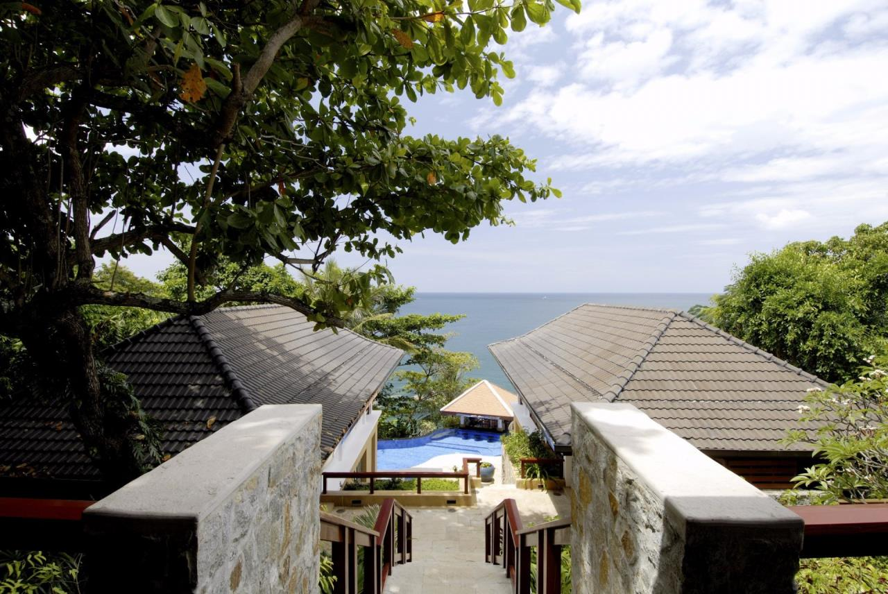 REAL Phuket  Agency's Baan Kata - Impressive 4-Bedroom Oceanfront Villa near Kata Beach 14