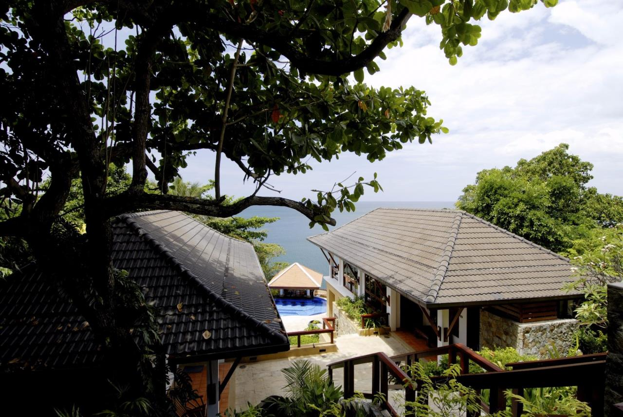 REAL Phuket  Agency's Baan Kata - Impressive 4-Bedroom Oceanfront Villa near Kata Beach 16