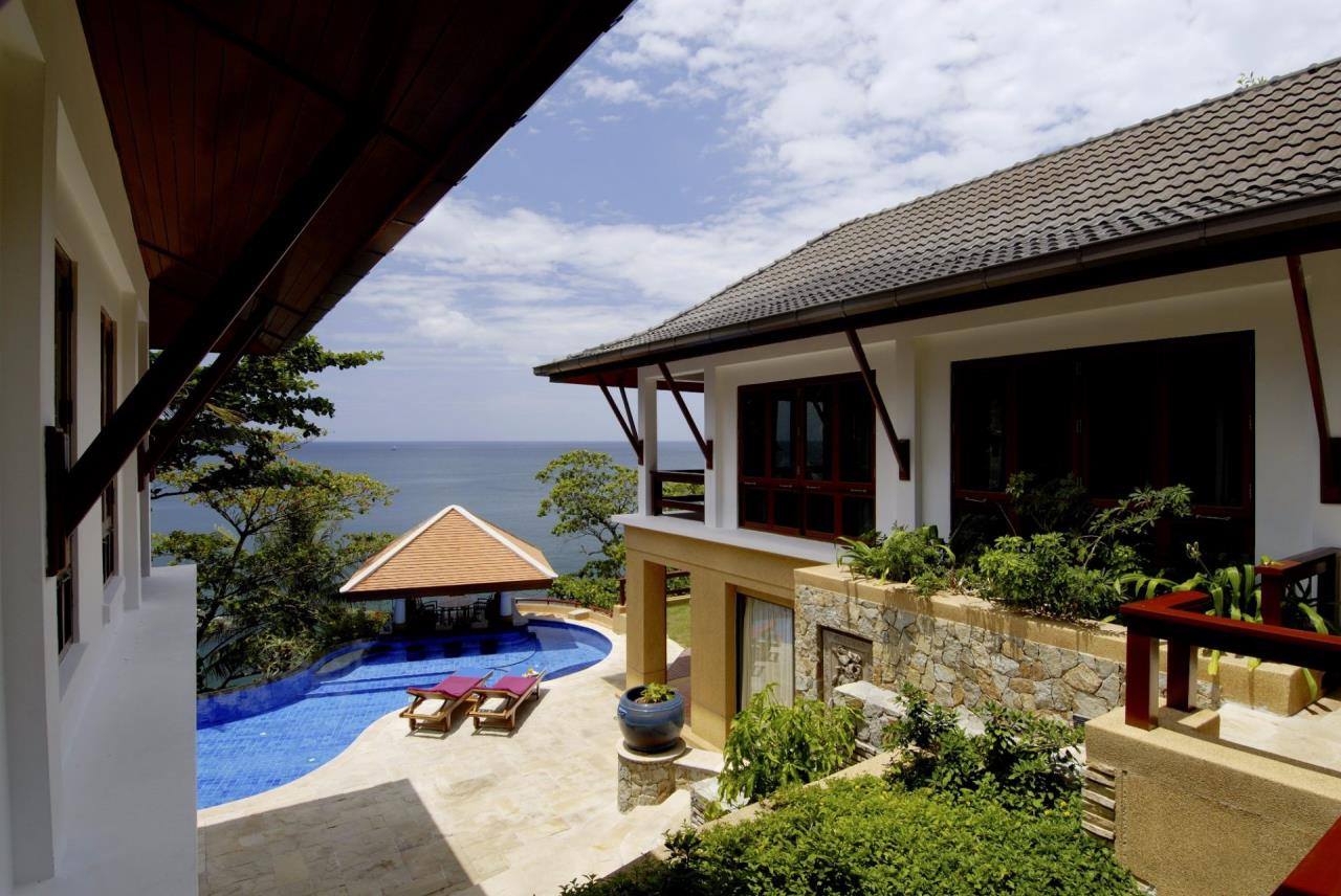REAL Phuket  Agency's Baan Kata - Impressive 4-Bedroom Oceanfront Villa near Kata Beach 17