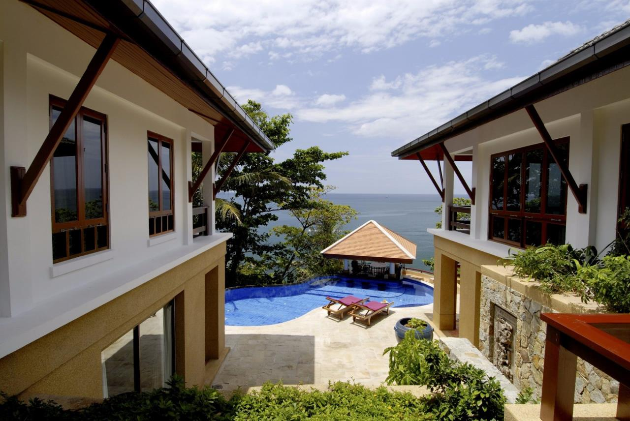 REAL Phuket  Agency's Baan Kata - Impressive 4-Bedroom Oceanfront Villa near Kata Beach 18