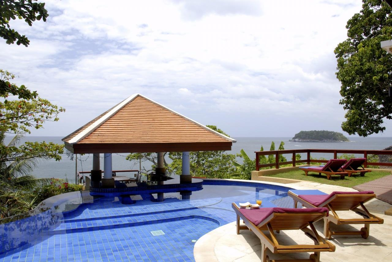REAL Phuket  Agency's Baan Kata - Impressive 4-Bedroom Oceanfront Villa near Kata Beach 23