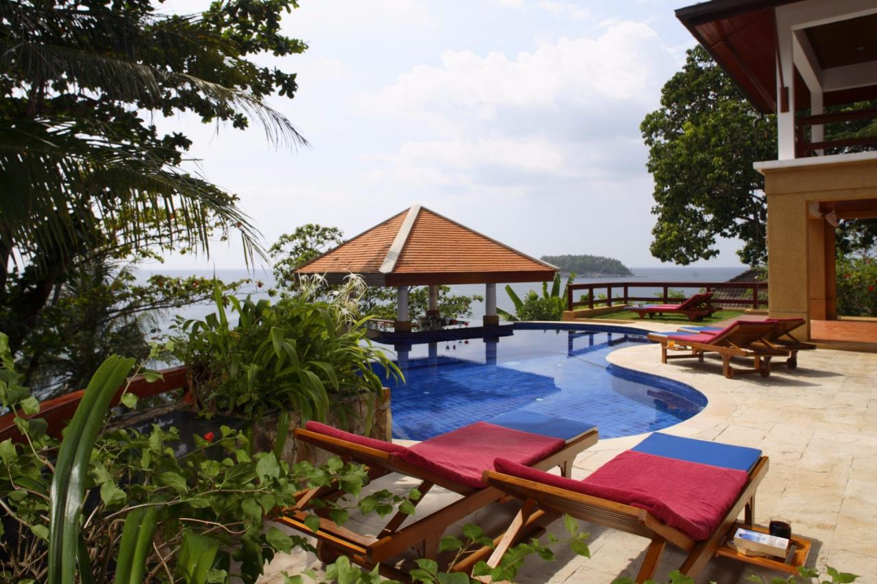 REAL Phuket  Agency's Baan Kata - Impressive 4-Bedroom Oceanfront Villa near Kata Beach 33