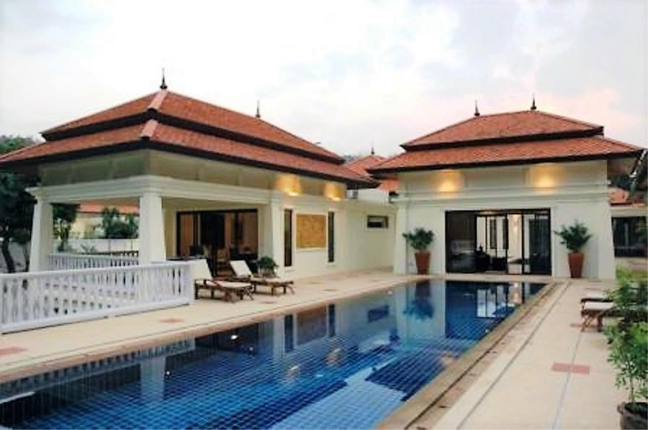 REAL Phuket  Agency's Unique Investment Opportunity - Fully Operational Estate of 5 Luxury Villas in Phuket North 4