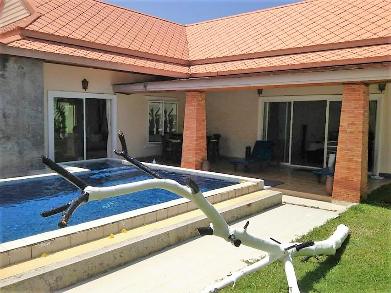 REAL Phuket  Agency's Private 3-Bedroom Pool Villa in Bang Tao for Long-Term Rent 1