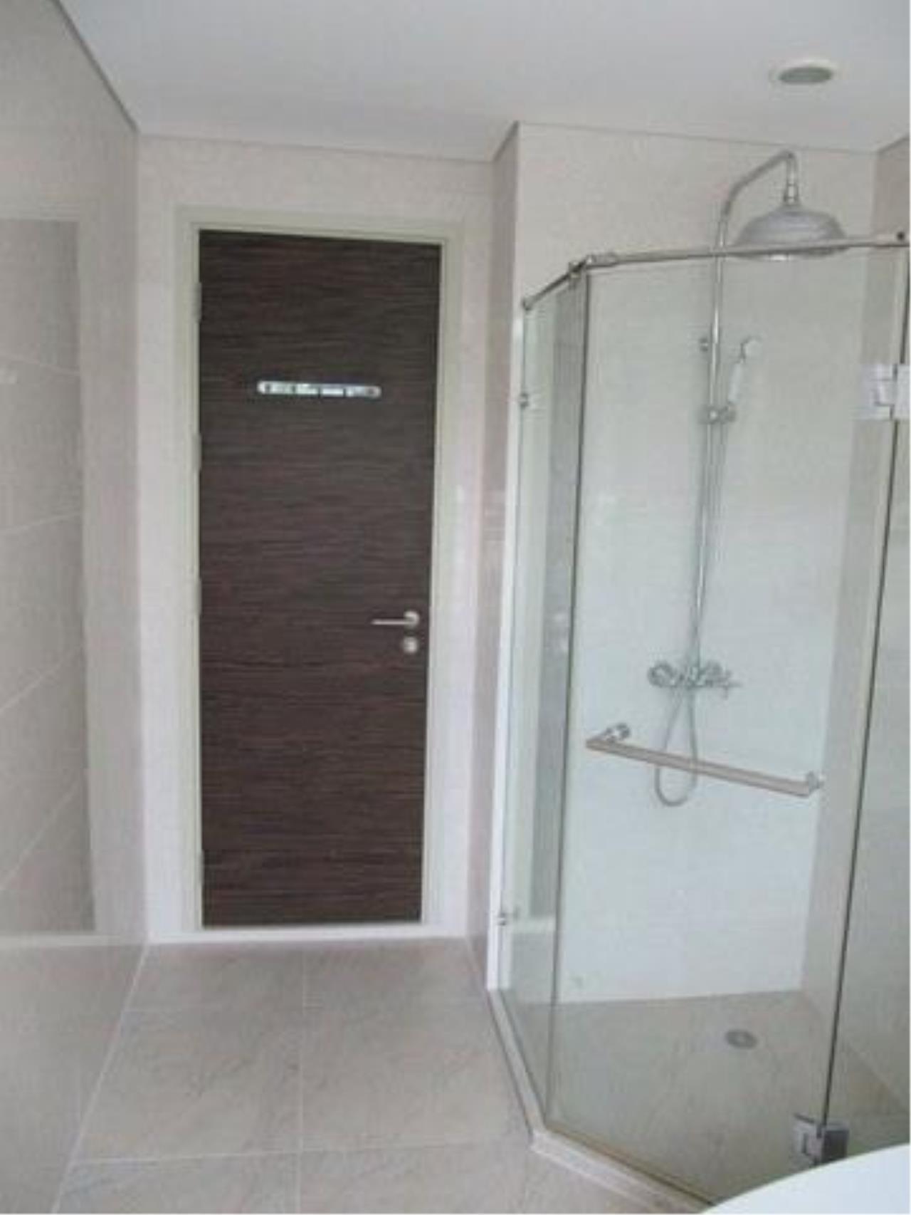 m2 Property Advisors Agency's Watermark Chaophraya 8