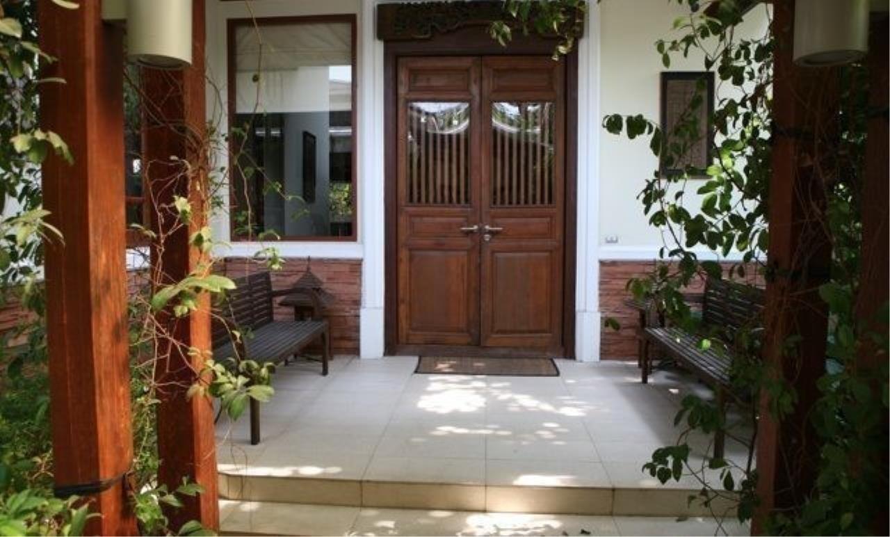 m2 Property Advisors Agency's House Ekamai 6
