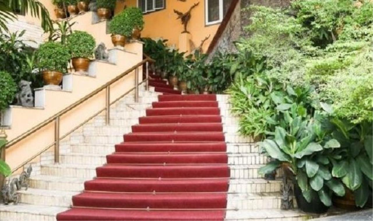m2 Property Advisors Agency's Ammbassador Court - Ploen Chit 2