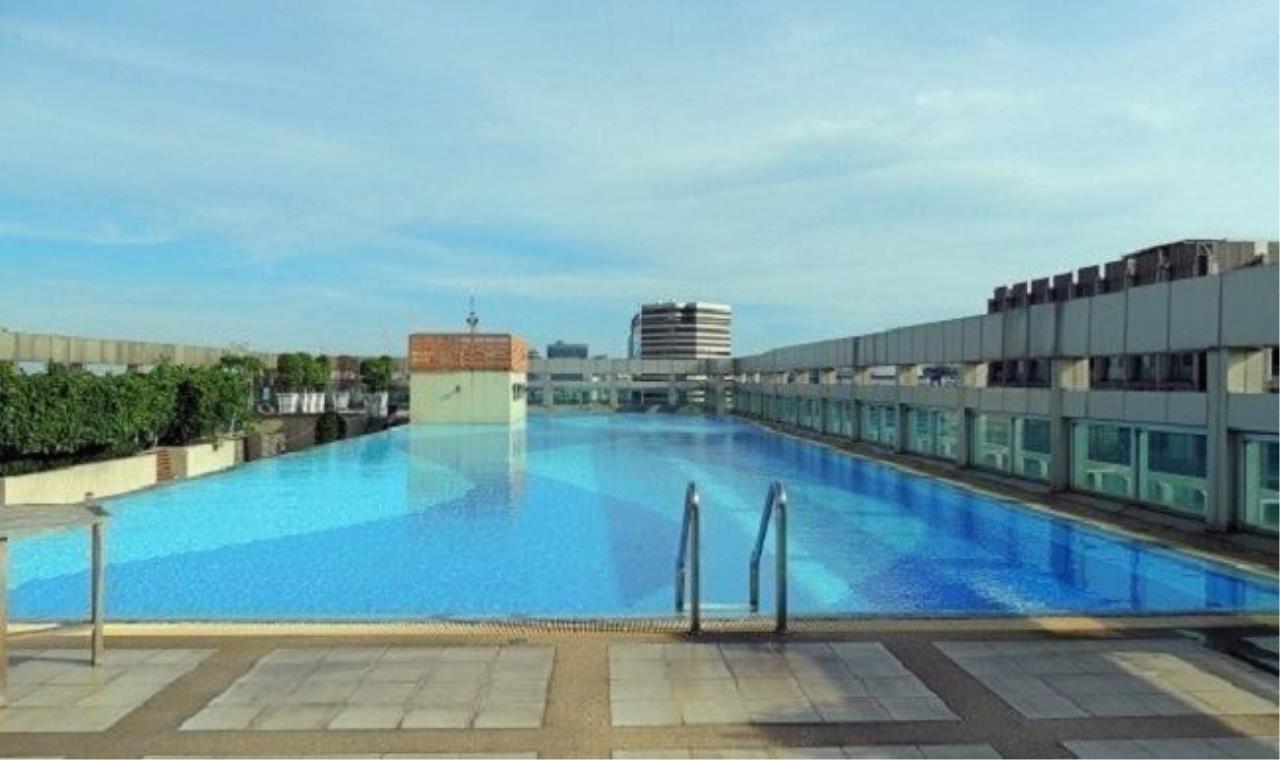 m2 Property Advisors Agency's Baan Klang Krung Siam-Pathumwan High floor city view 9