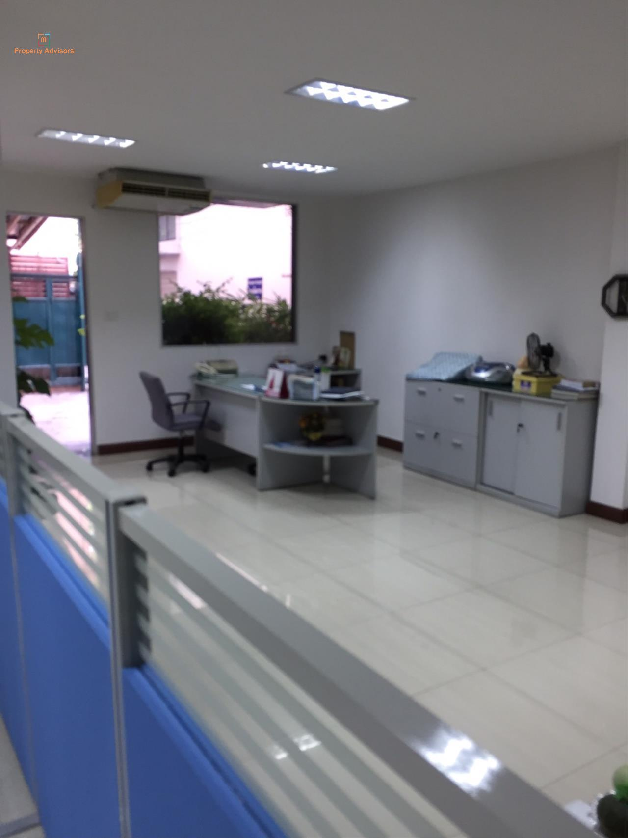 m2 Property Advisors Agency's Sathupradit soi 19 office building. 1