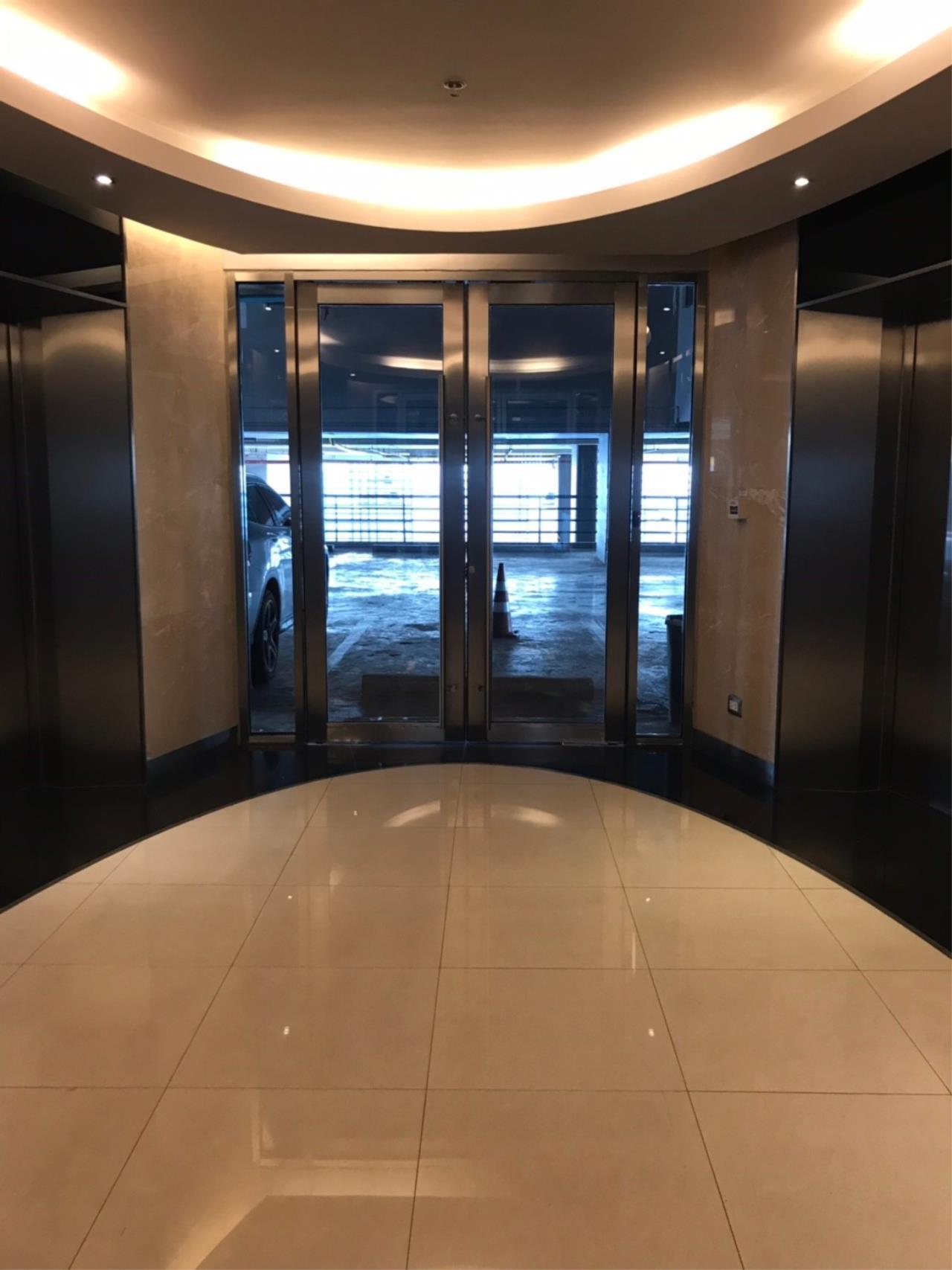 Century21 Fuji Realty Agency's The Address Asoke 10