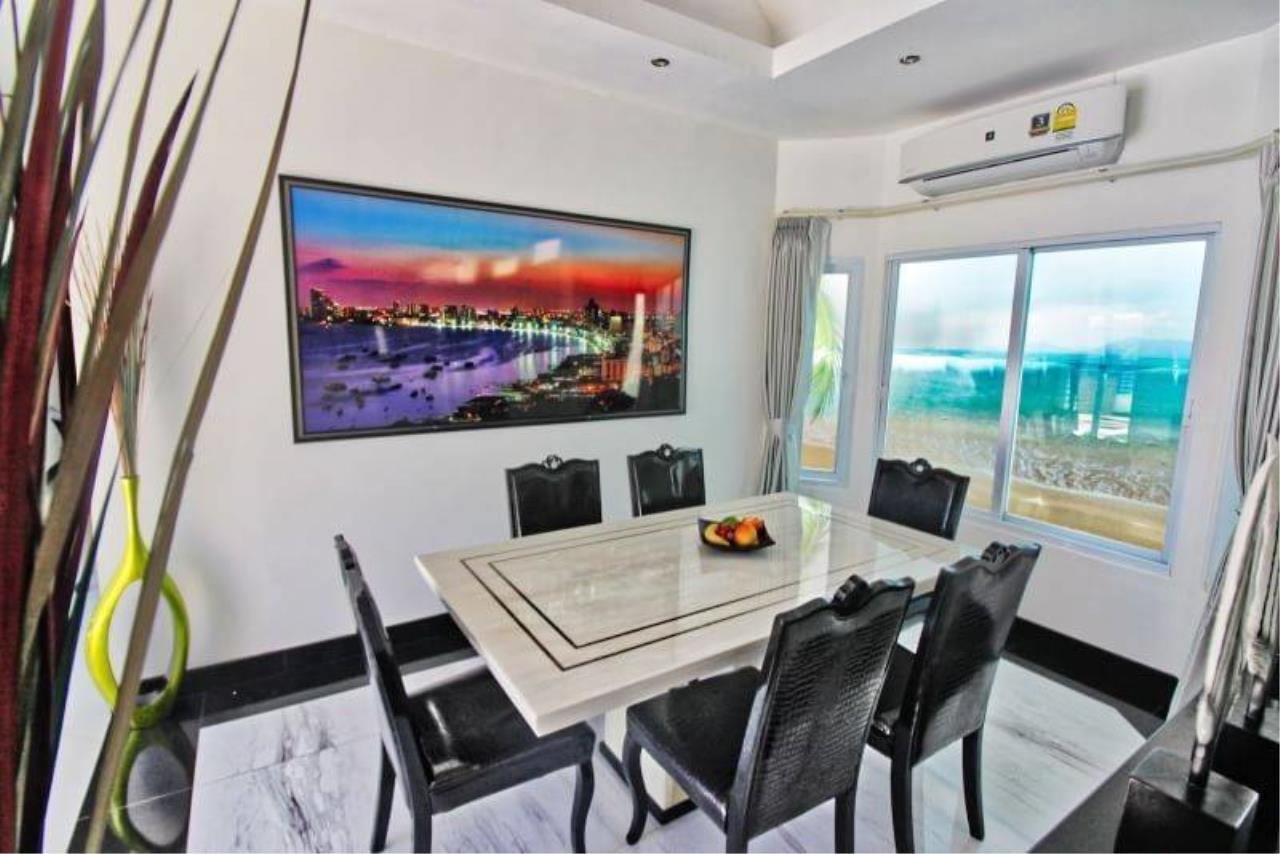 Agent - Housechaingmai Agency's The Private Pool/jacuzzi Villa for sale in Pattaya. 1.4 Km from Jomtien Beach. 5