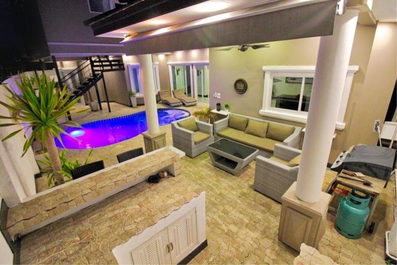 Agent - Housechaingmai Agency's The Private Pool/jacuzzi Villa for sale in Pattaya. 1.4 Km from Jomtien Beach. 6