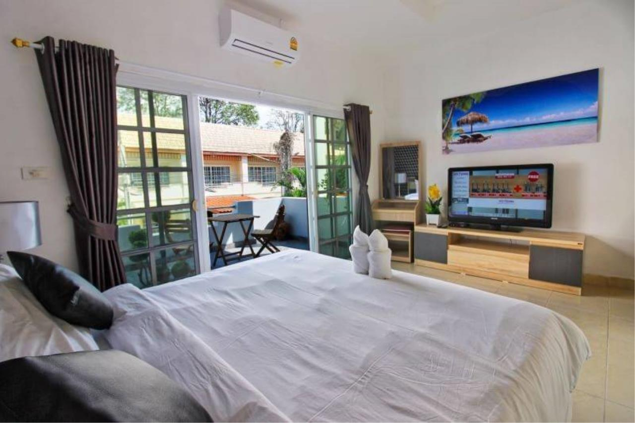Agent - Housechaingmai Agency's The Private Pool/jacuzzi Villa for sale in Pattaya. 1.4 Km from Jomtien Beach. 8