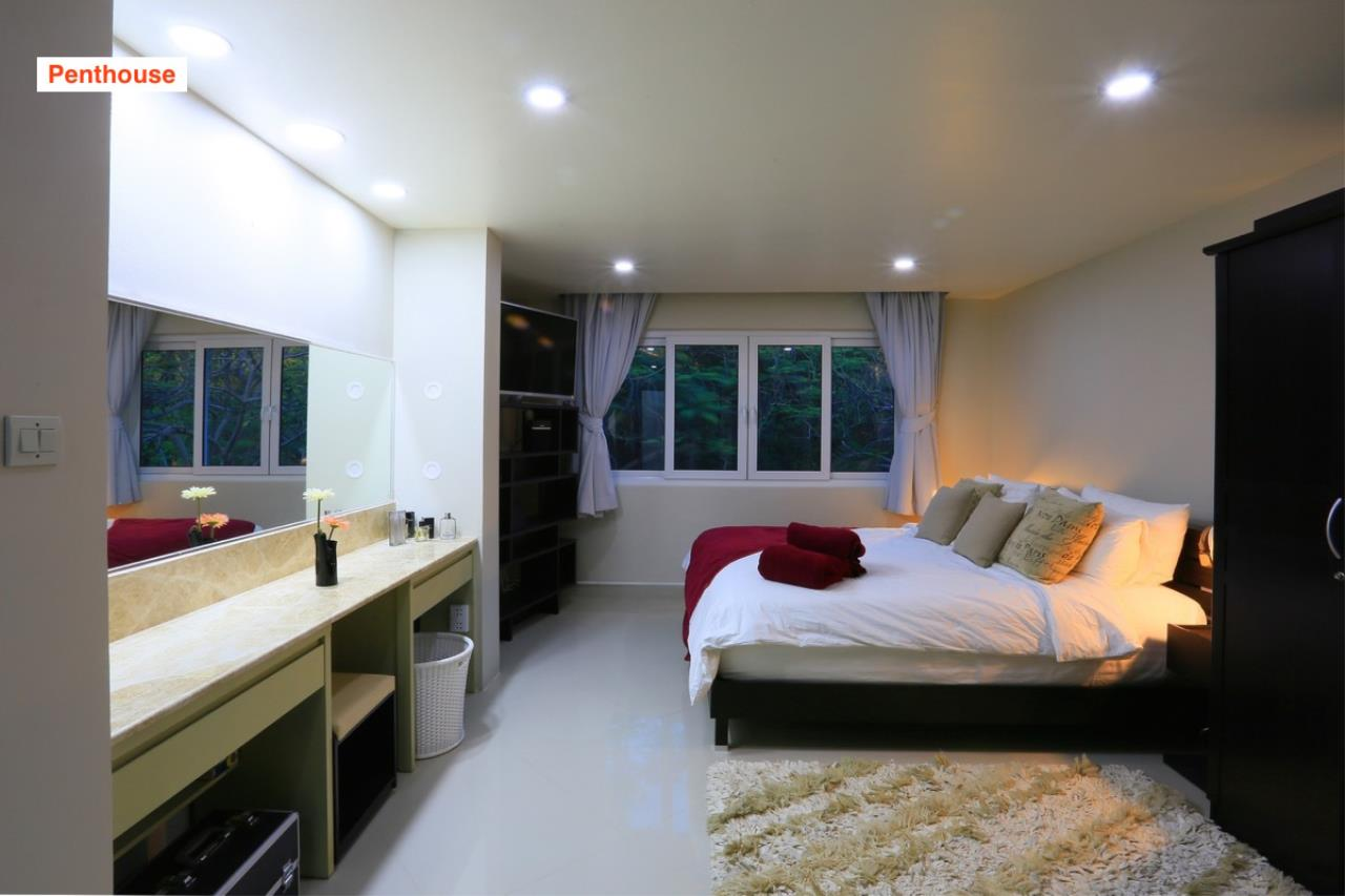 Signature Realty ( Thailand ) Co Ltd Agency's 4 Storey Luxury Serviced Apartment fully furnished for Sale - Pratamnak 28