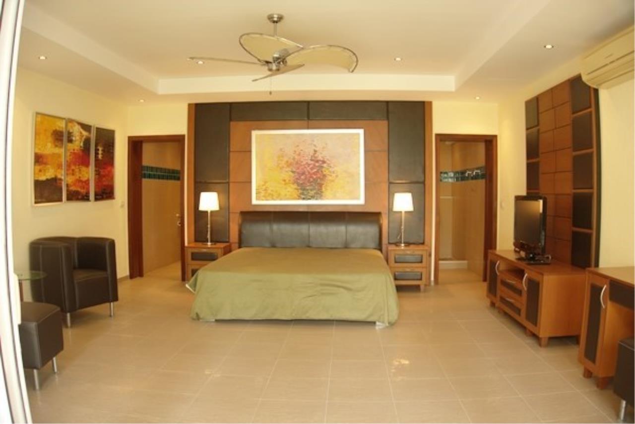 Signature Realty ( Thailand ) Co Ltd Agency's 5 Bedroom Modern Pool Villa in Khao Talo - Pattaya 18