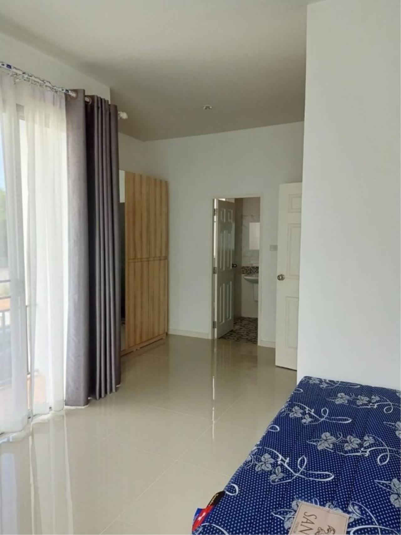 Signature Realty ( Thailand ) Co Ltd Agency's Luxury House 3BR for Rent  - The Residence 7
