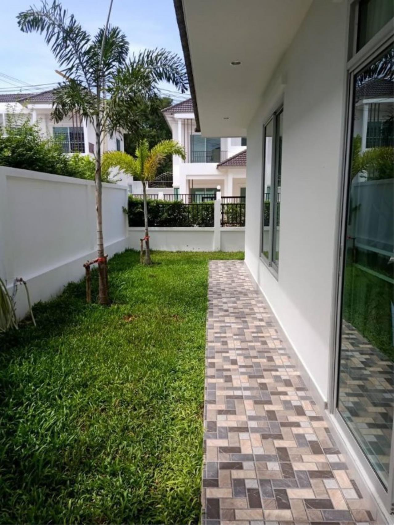 Signature Realty ( Thailand ) Co Ltd Agency's Luxury House 3BR for Rent  - The Residence 16