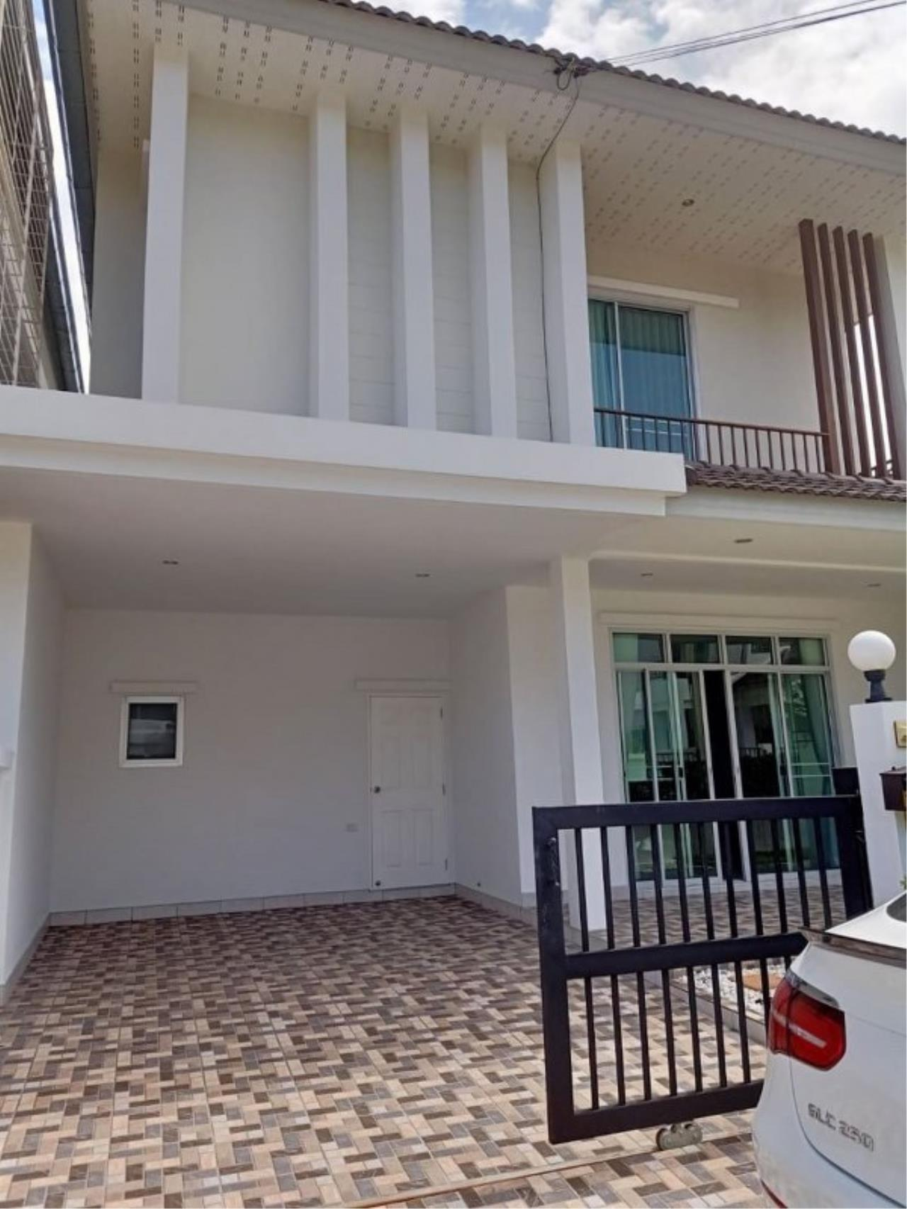Signature Realty ( Thailand ) Co Ltd Agency's Luxury House 3BR for Rent  - The Residence 21