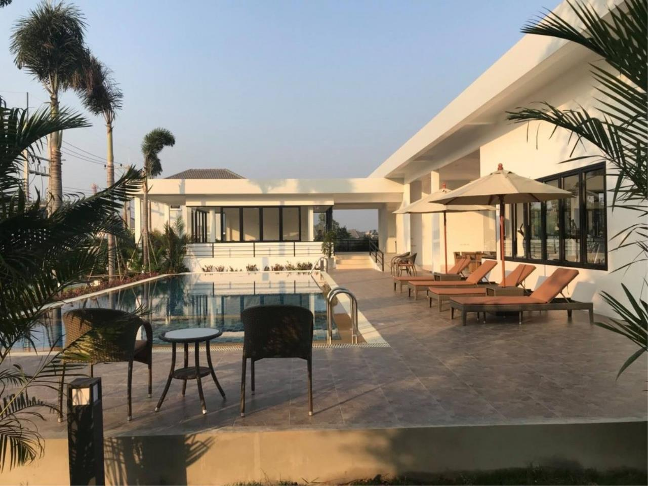 Signature Realty ( Thailand ) Co Ltd Agency's 3 Bedroom Villa for Sale -  Uraiwan Grand Villa C-35 10