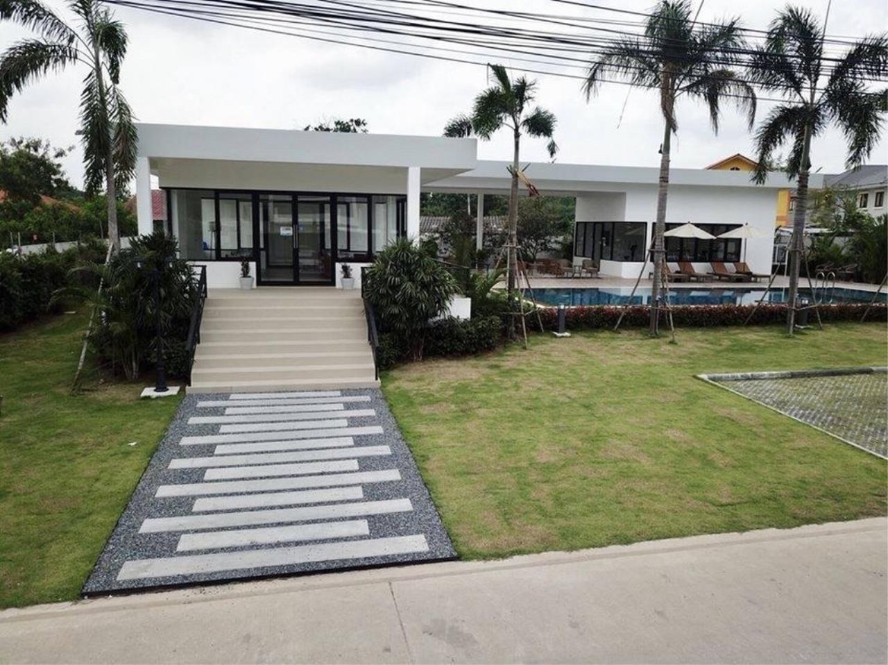 Signature Realty ( Thailand ) Co Ltd Agency's 3 Bedroom Villa for Sale -  Uraiwan Grand Villa C-35 11