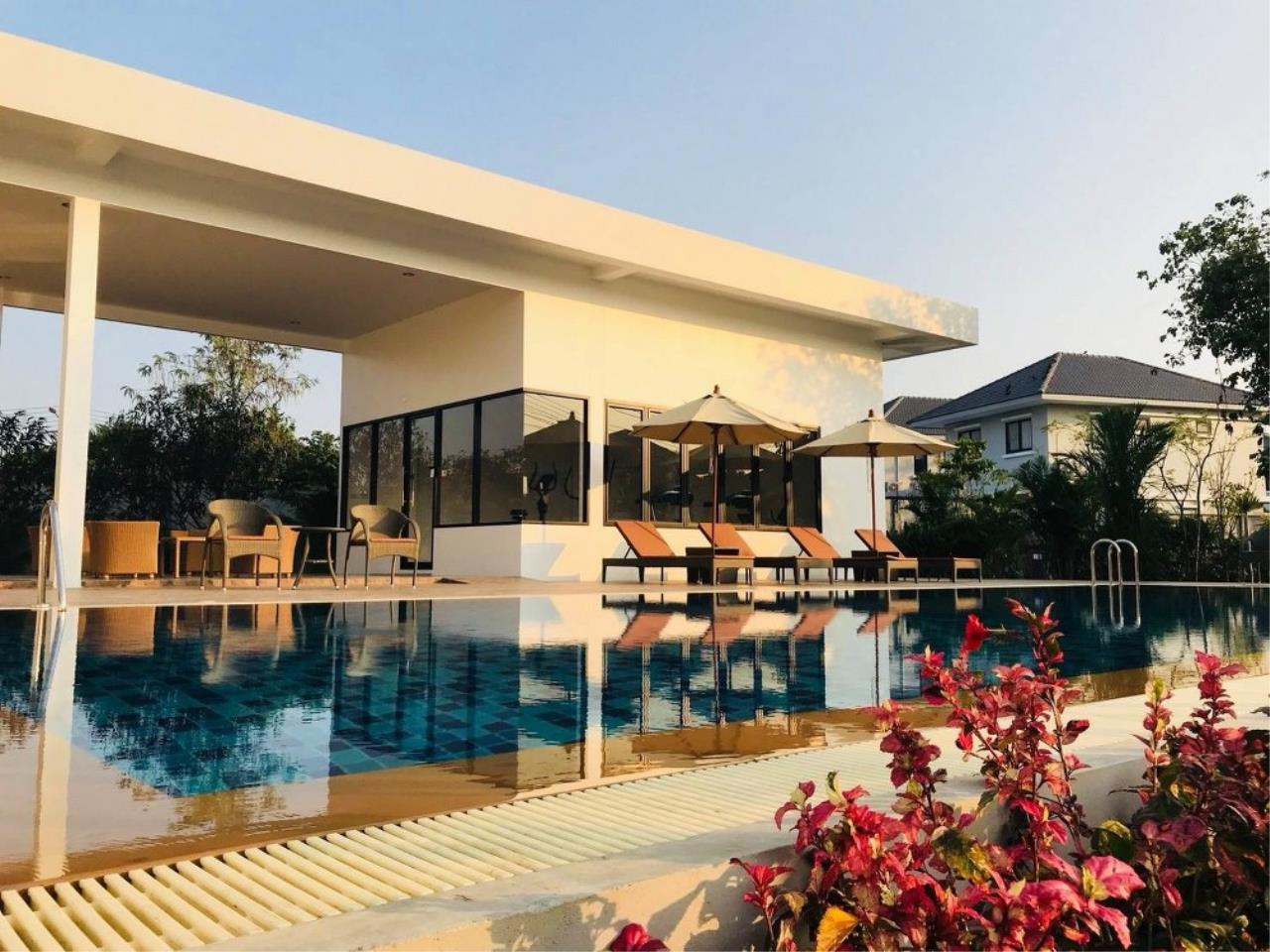 Signature Realty ( Thailand ) Co Ltd Agency's 3 Bedroom Villa for Sale -  Uraiwan Grand Villa C-35 4