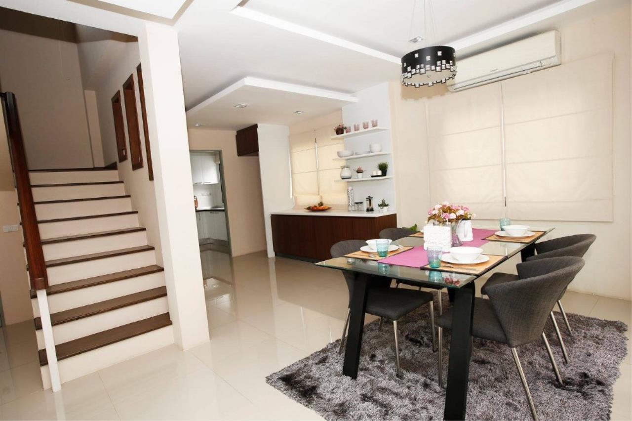 Signature Realty ( Thailand ) Co Ltd Agency's 3 Bedroom Villa for Sale -  Uraiwan Grand Villa C-35 12