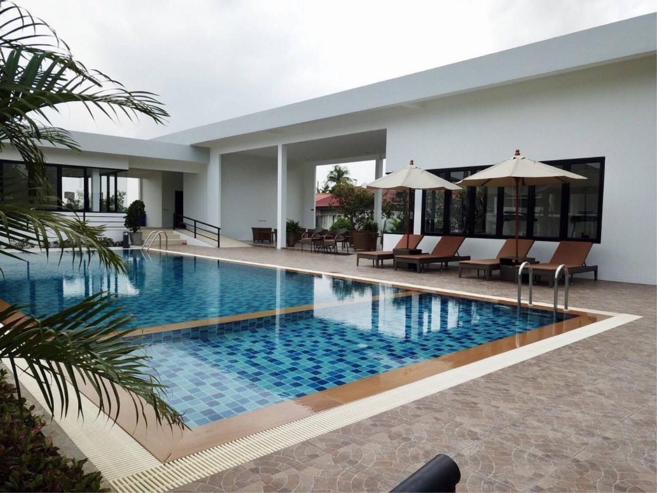 Signature Realty ( Thailand ) Co Ltd Agency's 3 Bedroom Villa for Sale -  Uraiwan Grand Villa C-35 7