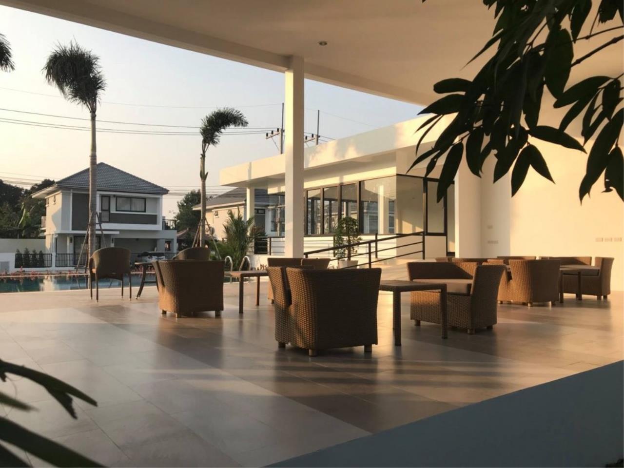 Signature Realty ( Thailand ) Co Ltd Agency's 3 Bedroom Villa for Sale -  Uraiwan Grand Villa C-35 18