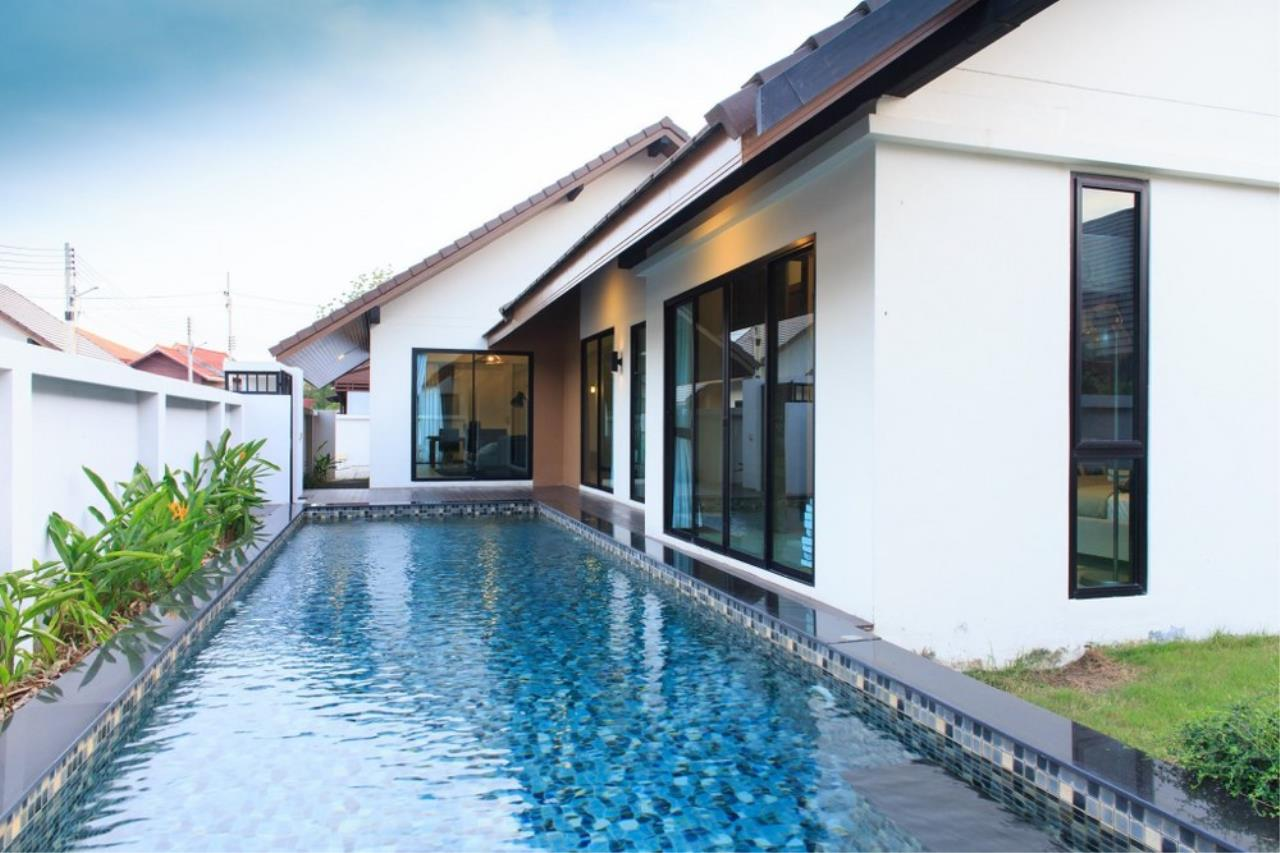 Signature Realty ( Thailand ) Co Ltd Agency's 4 Bedroom House w/Pool for Sale - The Maple Pattaya 3