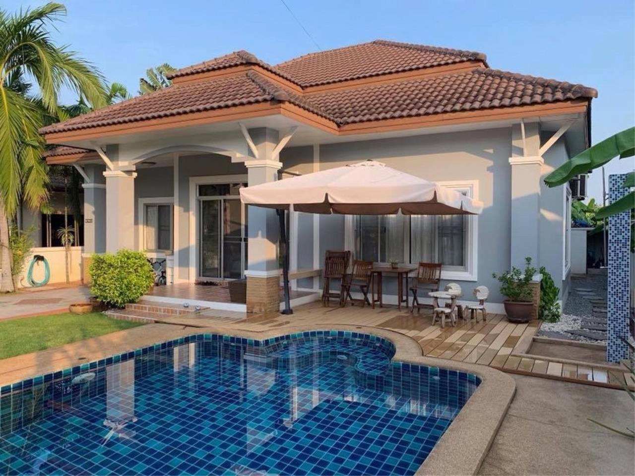Signature Realty ( Thailand ) Co Ltd Agency's 3 Bedroom House with Pool -  North Pattaya 1