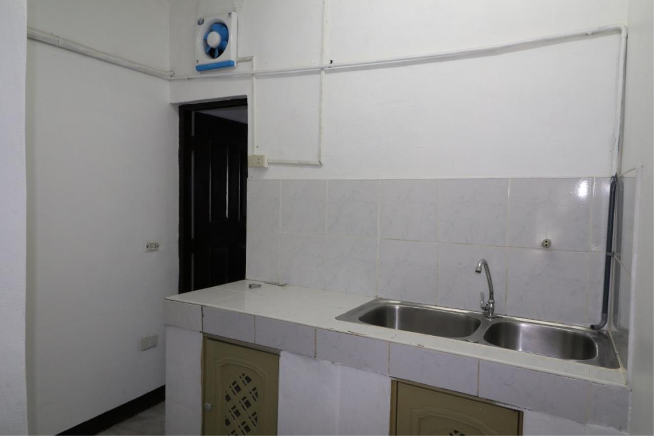 Signature Realty ( Thailand ) Co Ltd Agency's Shophouse 4 Bedroom 5 Bathroom for SALE - Soi Teedin  8