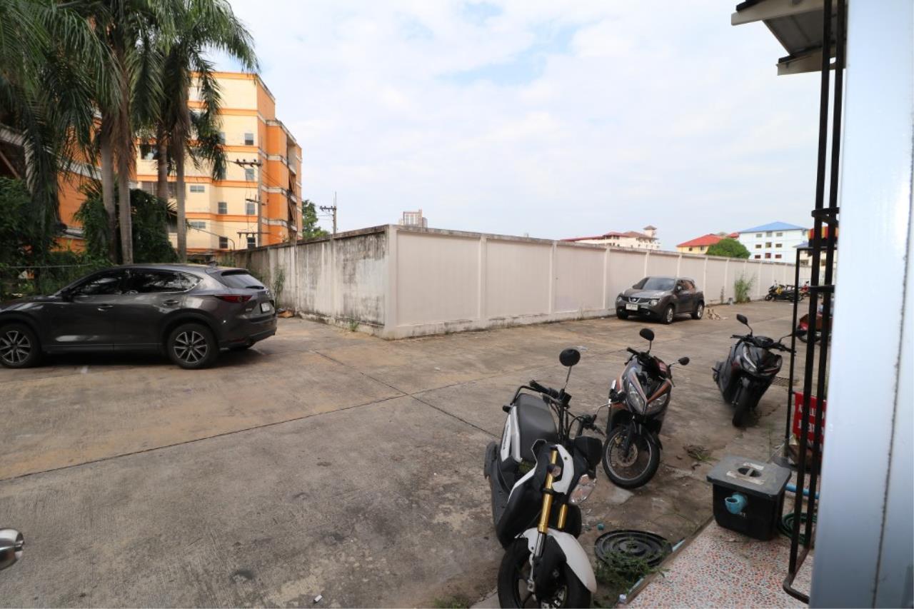 Signature Realty ( Thailand ) Co Ltd Agency's Shophouse 4 Bedroom 5 Bathroom for SALE - Soi Teedin  5