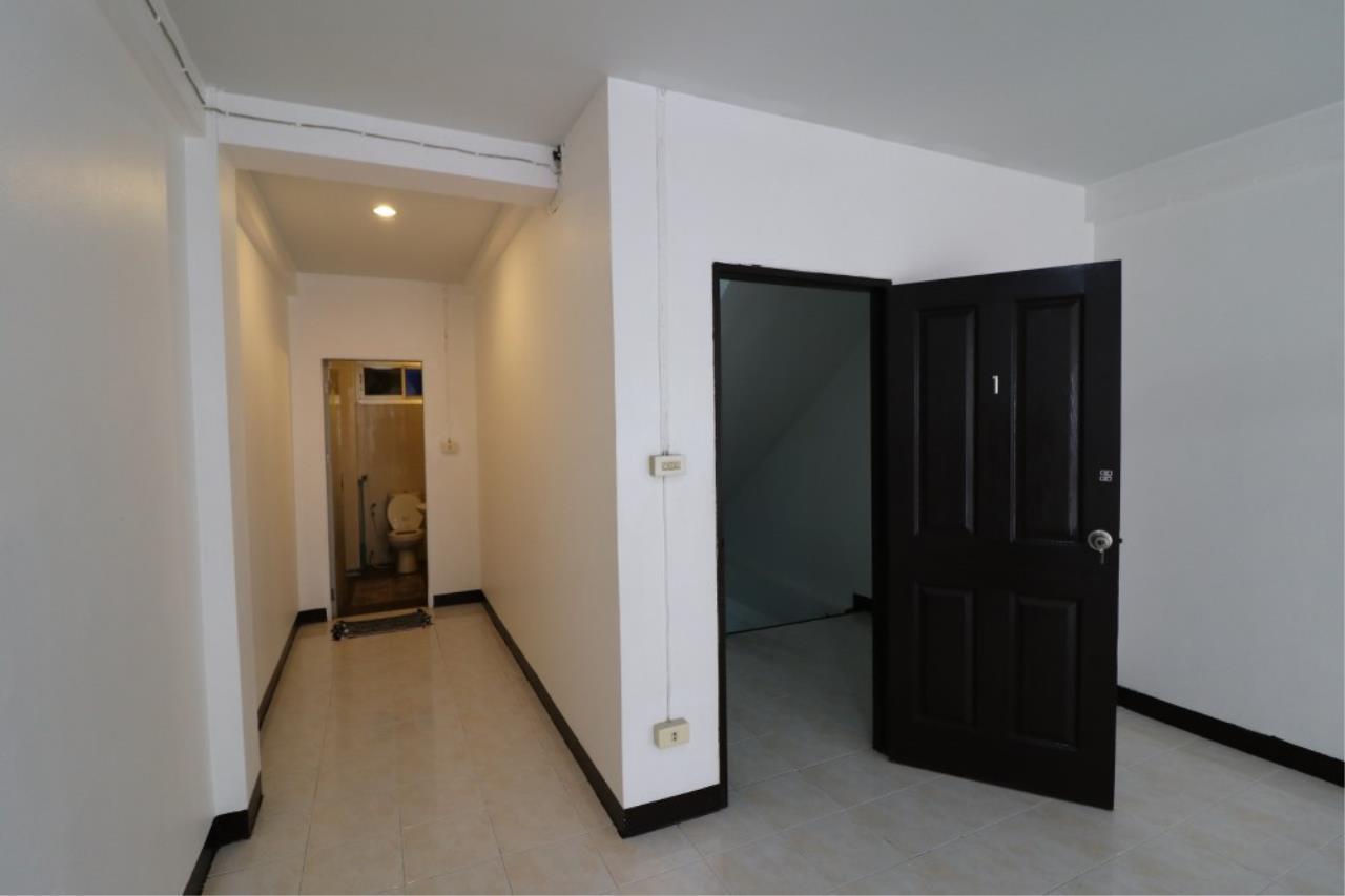 Signature Realty ( Thailand ) Co Ltd Agency's Shophouse 4 Bedroom 5 Bathroom for SALE - Soi Teedin  14