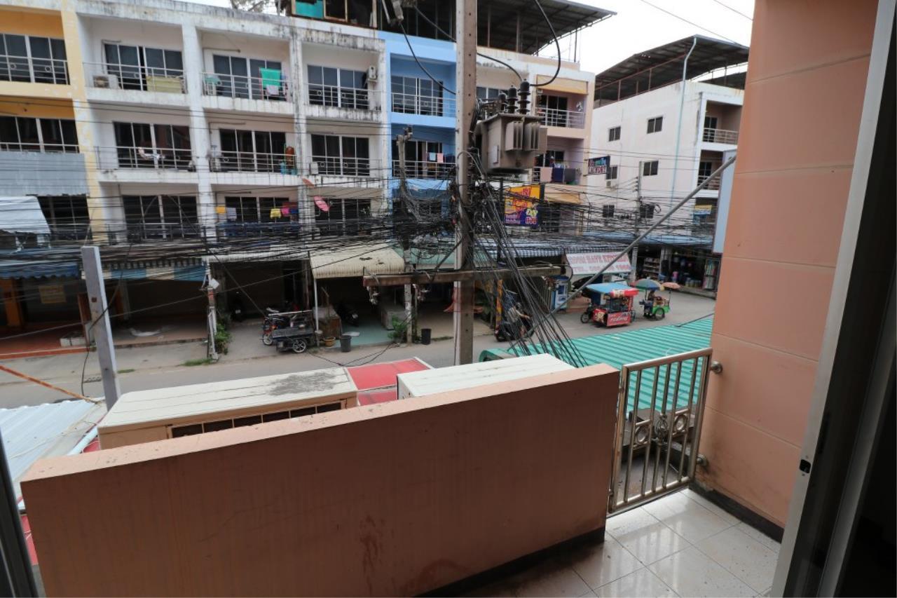 Signature Realty ( Thailand ) Co Ltd Agency's Shophouse 4 Bedroom 5 Bathroom for SALE - Soi Teedin  3