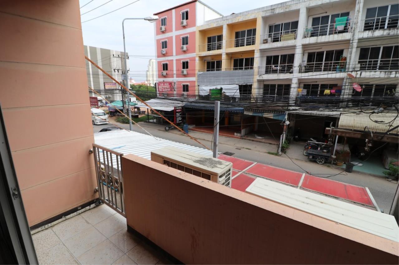 Signature Realty ( Thailand ) Co Ltd Agency's Shophouse 4 Bedroom 5 Bathroom for SALE - Soi Teedin  4