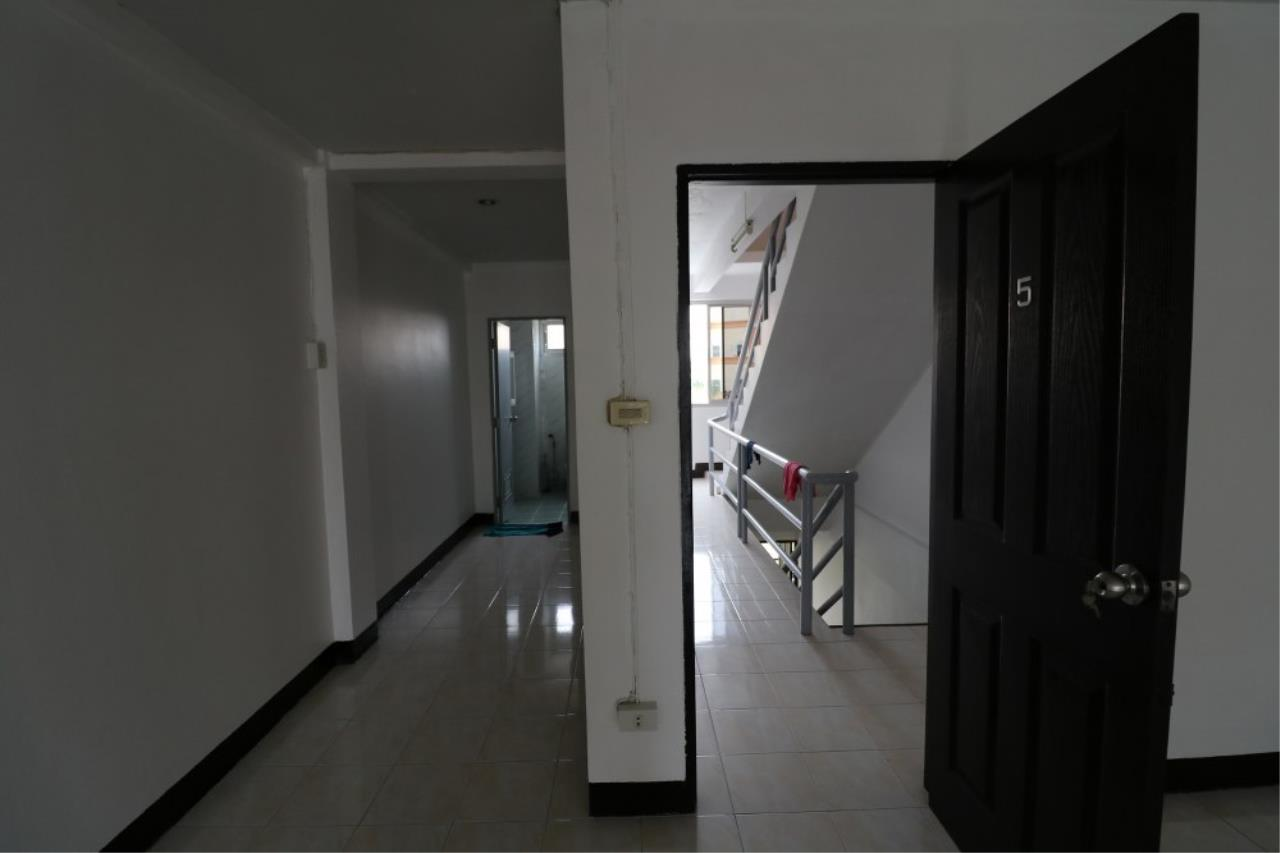 Signature Realty ( Thailand ) Co Ltd Agency's Shophouse 4 Bedroom 5 Bathroom for SALE - Soi Teedin  19