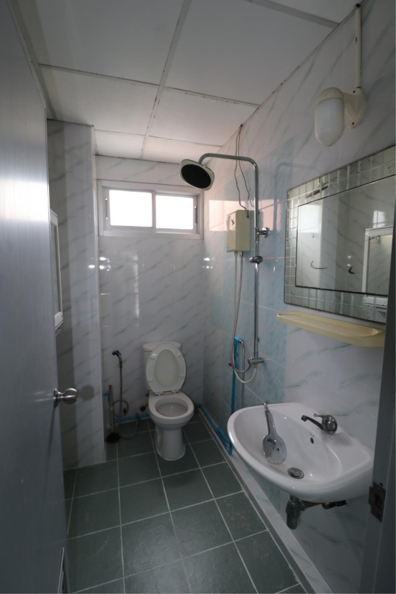 Signature Realty ( Thailand ) Co Ltd Agency's Shophouse 4 Bedroom 5 Bathroom for SALE - Soi Teedin  20