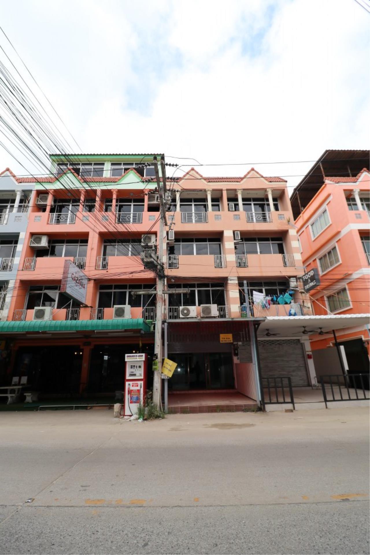 Signature Realty ( Thailand ) Co Ltd Agency's Shophouse 4 Bedroom 5 Bathroom for SALE - Soi Teedin  2